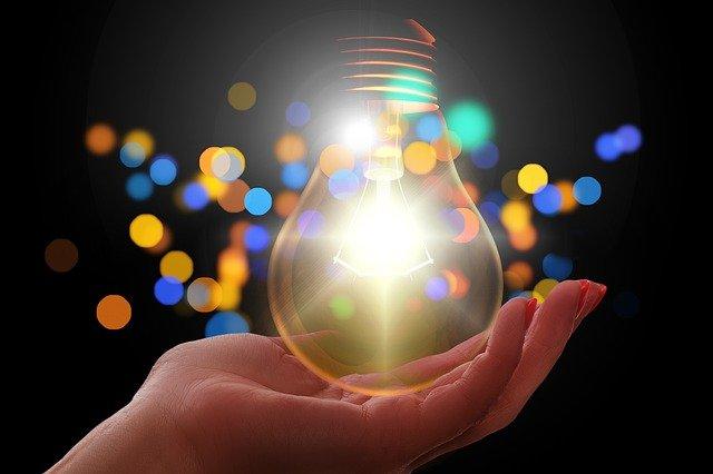 light bulb 4272879 640